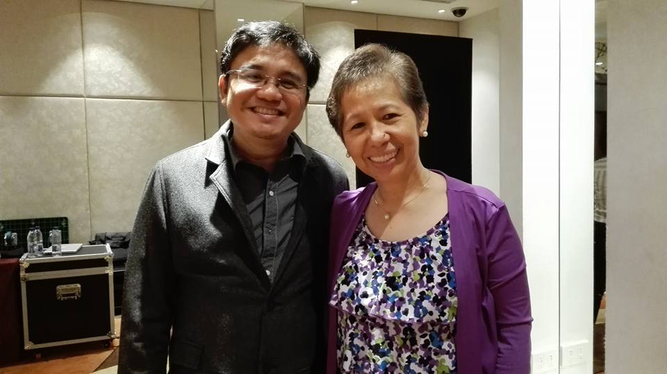 Homerun Nievera (left) with FMCG expert and Mediablast Digital senior consultant for sales and marketing Gladys Aldiosa.