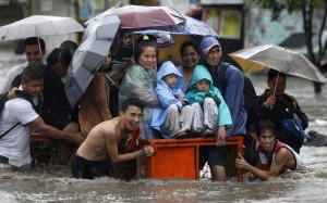 filipino in flood smiling