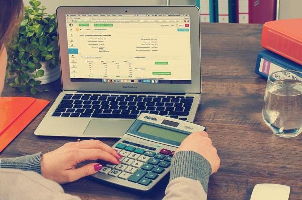 disadvantages of financial leverage