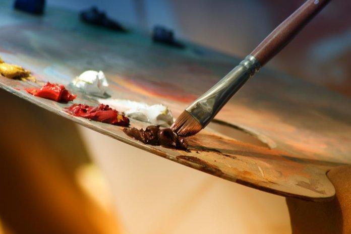 art-business-696x464