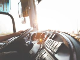 Cleaning Diesel Engine Filters Truck Drivers