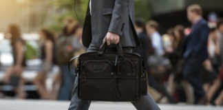 8 Important Tips for Selling a Business Executive Businessman Bag - Executive Chronicles
