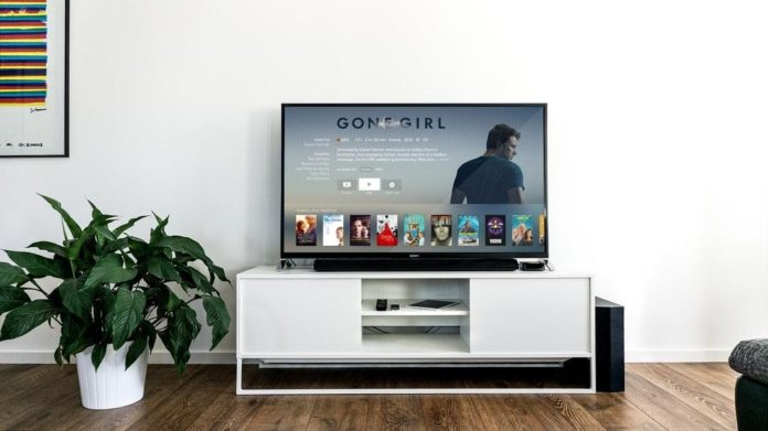 4 Tips to Tidy Your Entertainment Center