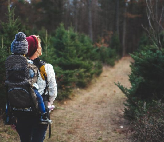 8 Things every Mom and Dad Must Carry In Their Backpack