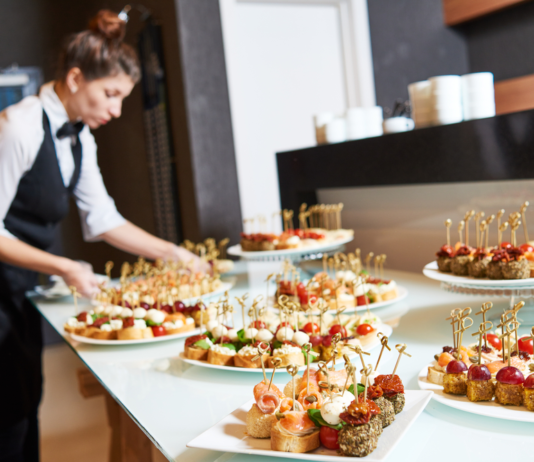 Tips On Choosing a Wedding Caterer